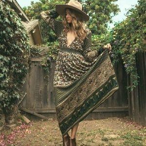 Dresses & Skirts - Green long sleeve women's dress